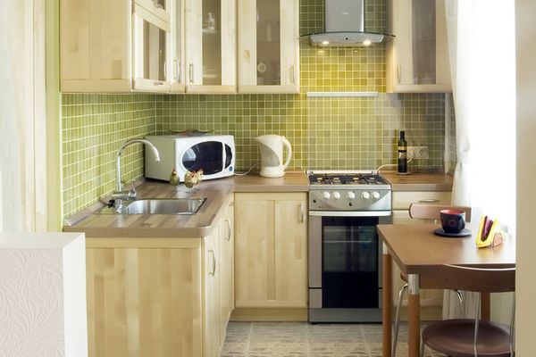 Смотреть дизайны кухонь