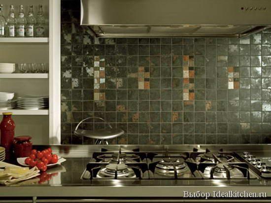 серая настенная плитка на кухне