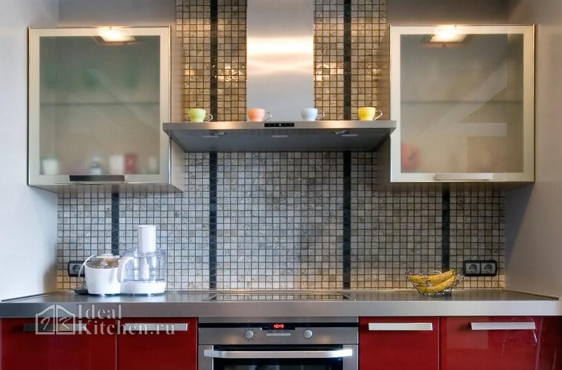 металлическая мозаика на кухне в стиле хай-тек