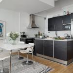темный кухонный гарнитур в скандинавском стиле