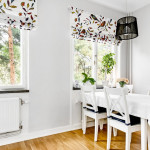белые шторы с ярким рисунком и скандинавским дизайном