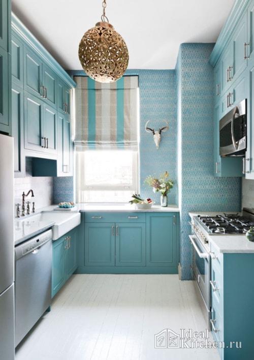 бирюзовый кухонный гарнитур в стиле классика