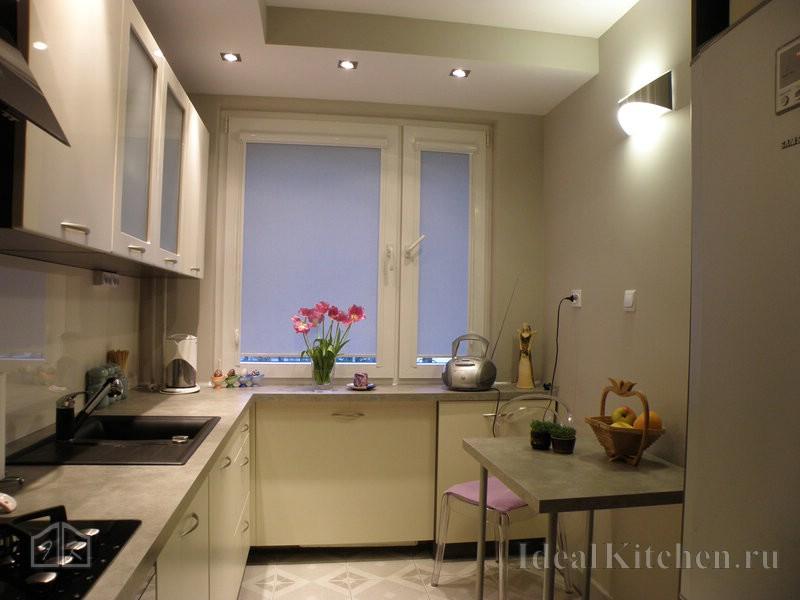 бюджетная небольшая кухня буквой Г с фасадами из пленки ПВХ