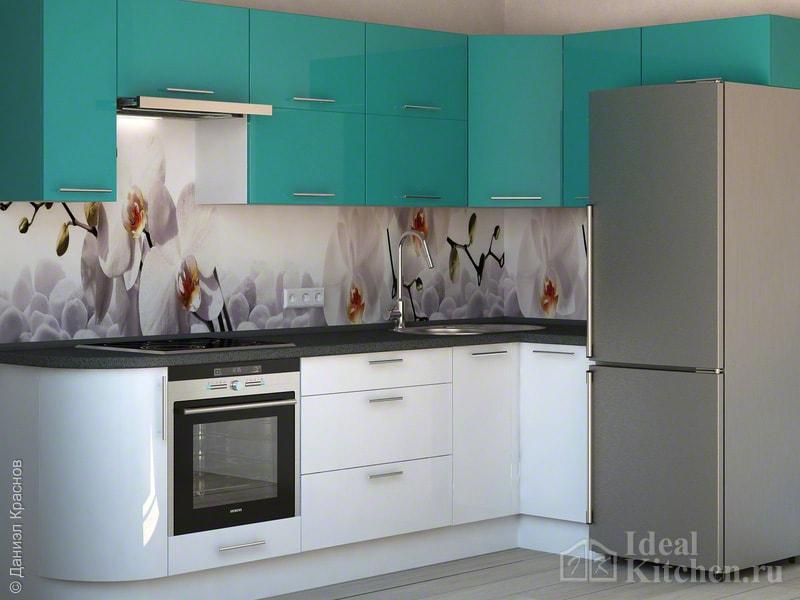 пример интерьера Г-образной кухни с холодильником