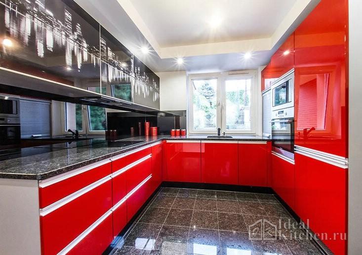 черные кухонные фасады с фотопечатью