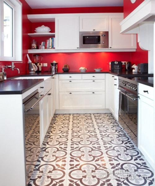 красные стены в отделке кухни