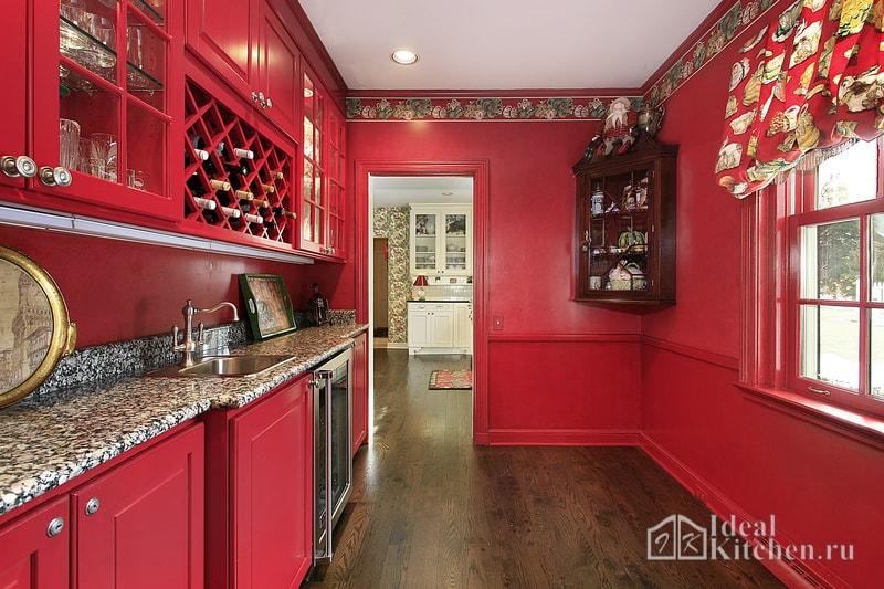 фото кухни в красных тонах в английском стиле